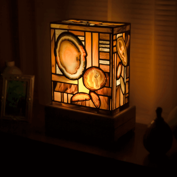 Elegant Agate Lamp For Sale