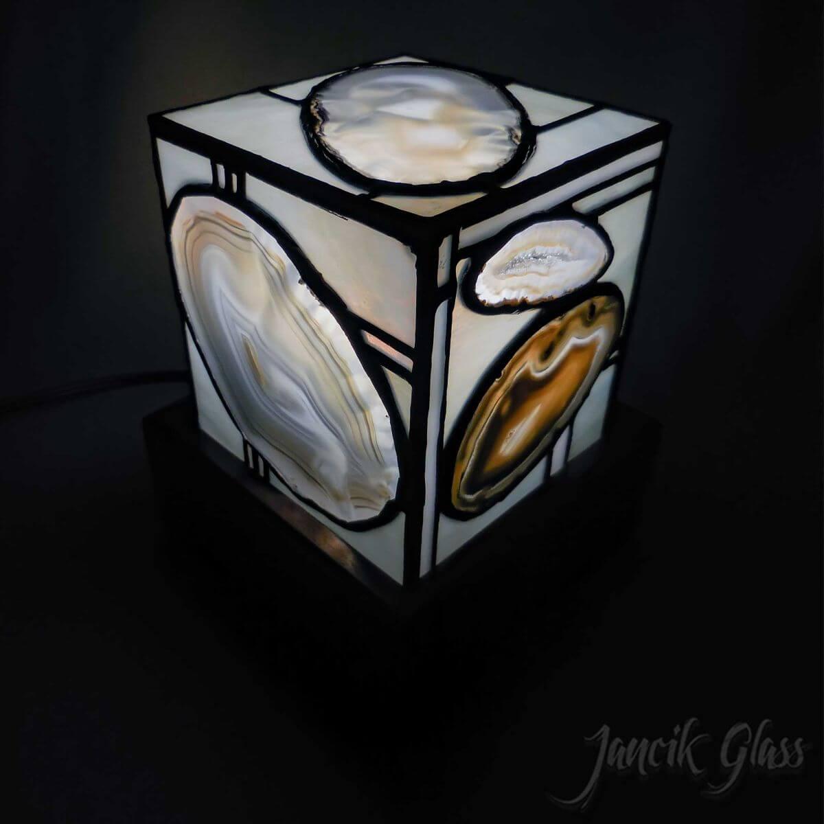 agate-lamp-1611b