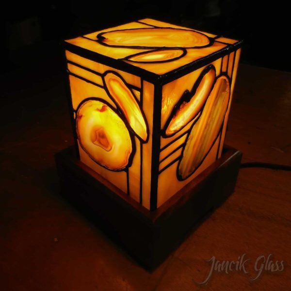 agate-lamp-1614a